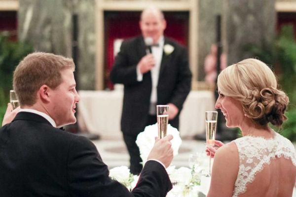 Petit-fils et femme sur le jour de votre mariage